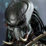Limited Edition PREDATORS Tracker Predator 1:6 Scale Figure (Hot Toys)