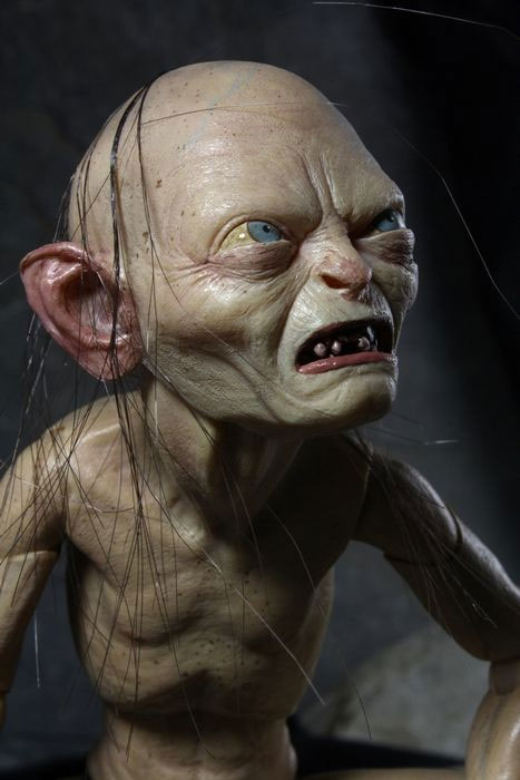 LORD-OF-THE-RINGS-Gollum-1-4-Scale-Poseable-Figure