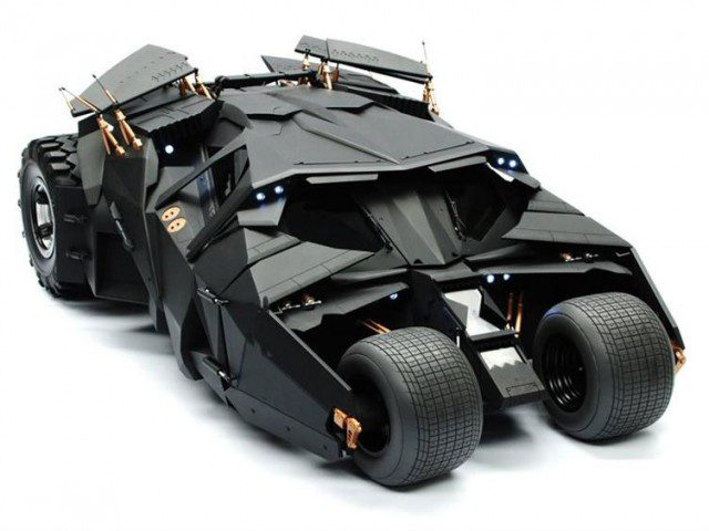 THE DARK KNIGHT Batmobile Tumbler Sixth Scale Replica (Hot Toys Movie Masterpiece)