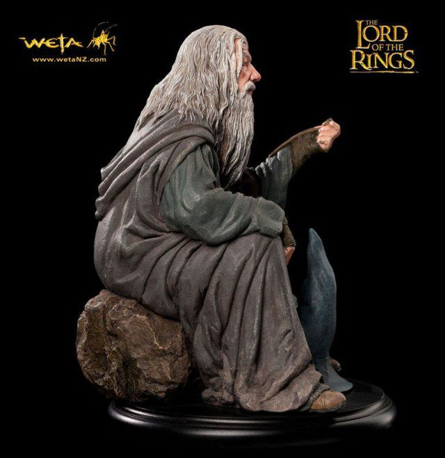 Limited-Edition-Weta-LORD-OF-THE-RINGS-Gandalf-Statue
