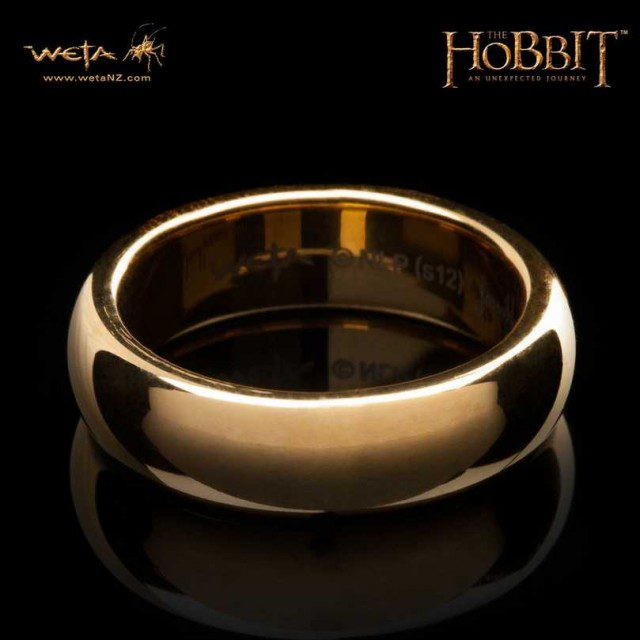 Weta The Hobbit The One Ring Gold Plated without runes plus Frodo Chain in Stock